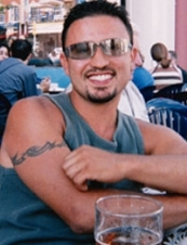 julio 45 y.o. from UK