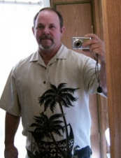 Larry 57 y.o. from USA