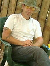 Lance 48 y.o. from Canada