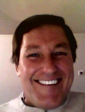 Robert 61 y.o. from USA